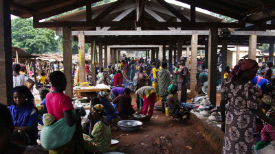 Traders and shoppers pack the market in Bossangoa