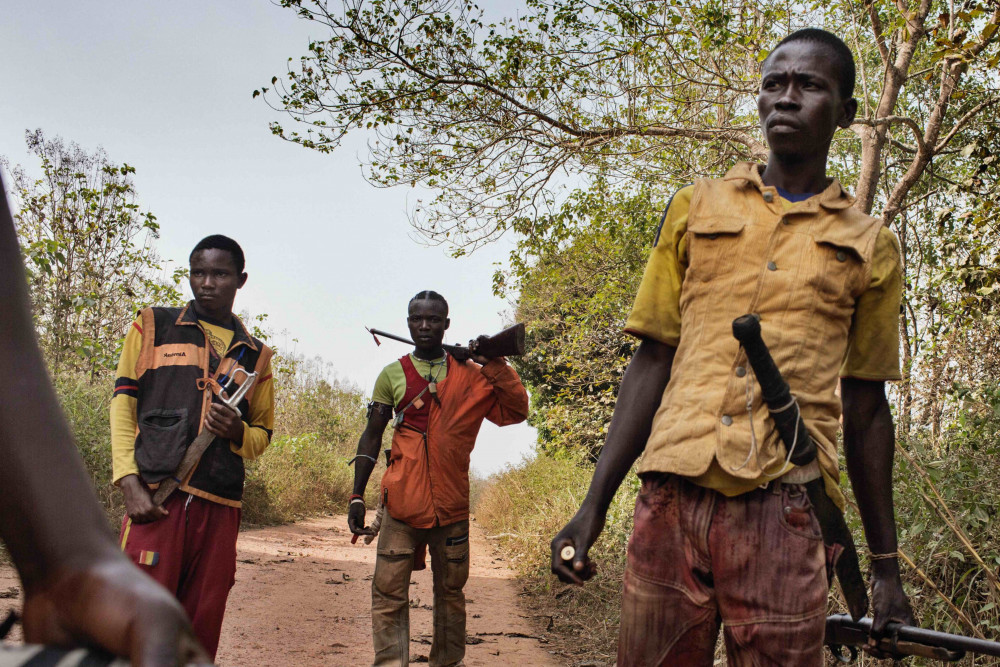 Young Anti-balaka fighters on the road. © Marcus Bleasdale