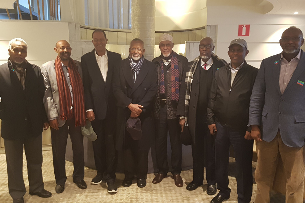 Kenyan facilitation team and members of the ONLF