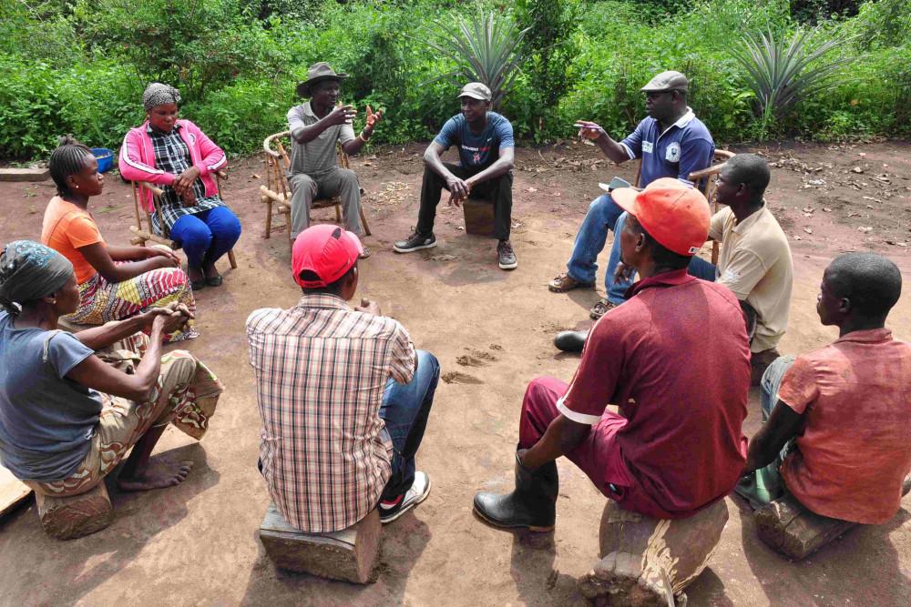 A community discussion in Dungu, Democratic Republic of Congo