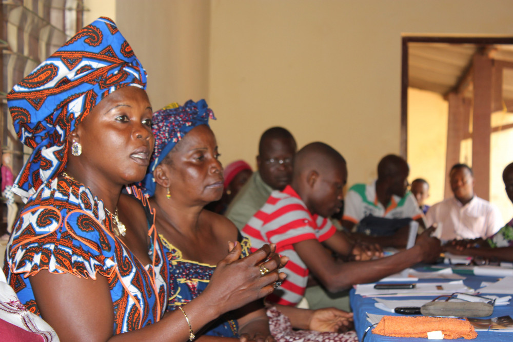 Women mediating
